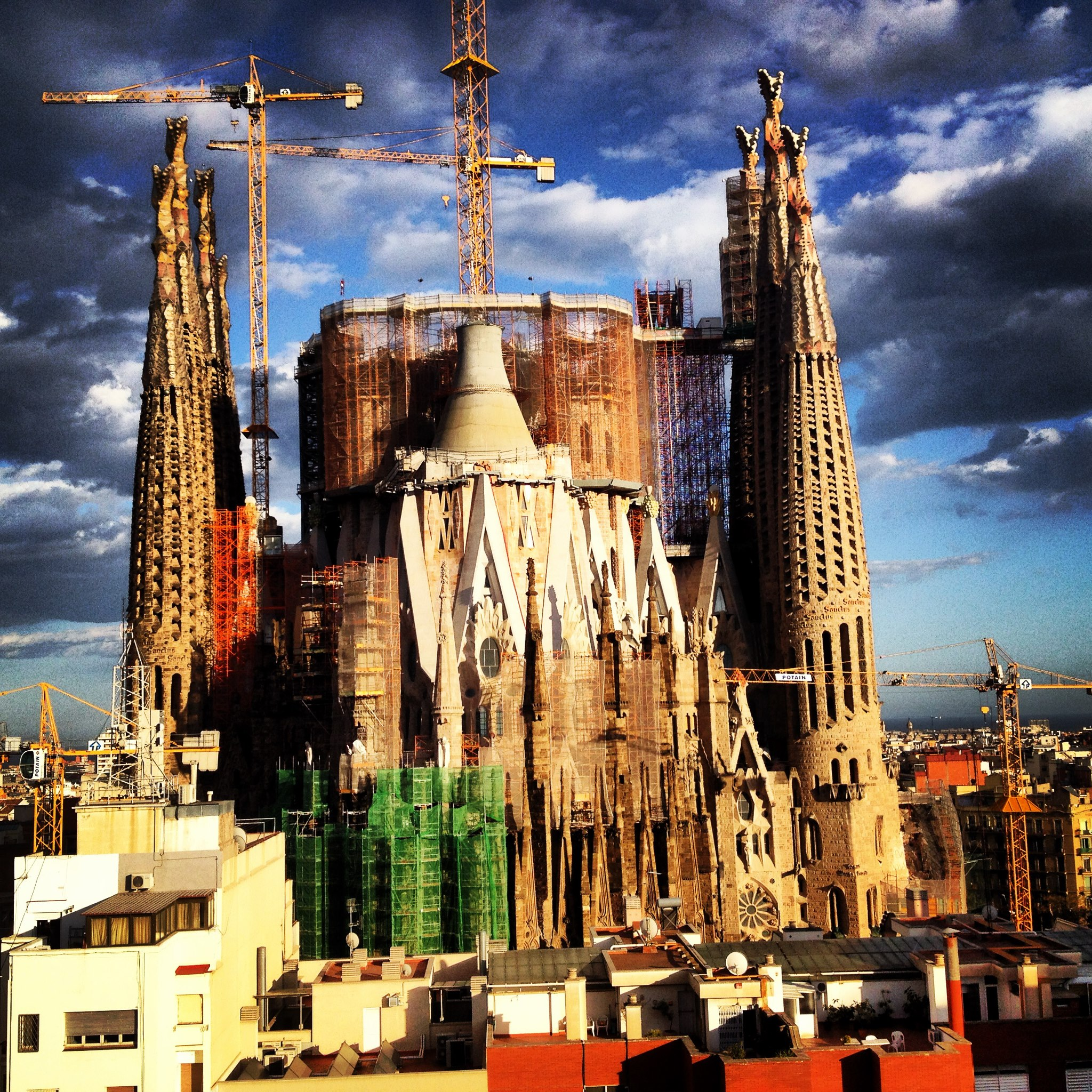 Barcelona a snapshot of one of europe s finest cities - Ayre rosellon barcelona ...